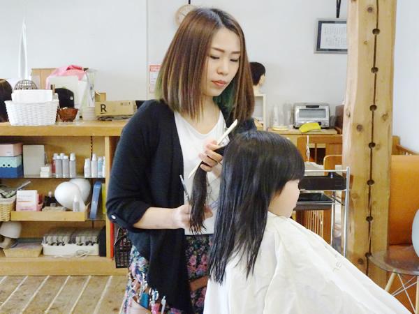 山形市 Hair with Water 美容師 岡崎 真未 さん