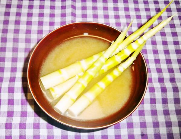 月山竹(細竹)のみそ汁