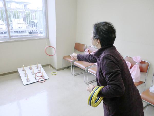 誰でも楽しめるスポーツ 「輪投げ」にチャレンジ!